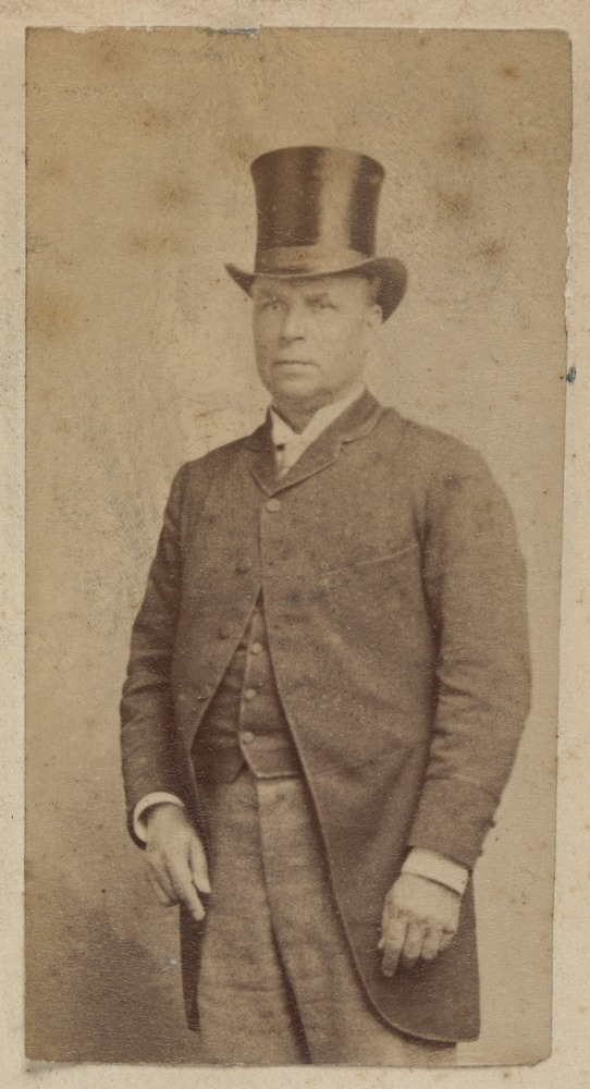 E. Gaunt, Album of security identity portraits of members of the Victorian Court, Centennial International Exhibition, Melbourne, 1888. State Library Victoria. H28190/2